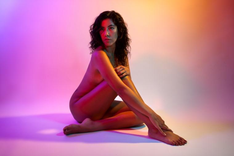 Ensaio fotográfico retrata a sexualidade feminina de forma revolucionária maggie west foto: reprodução
