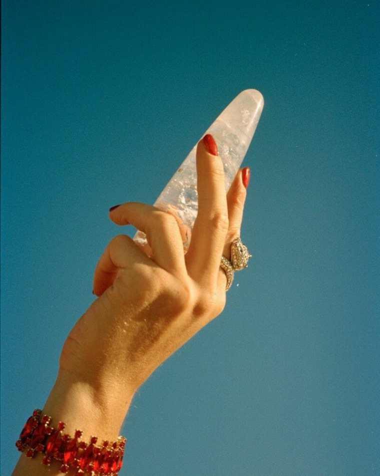 Chakrubs: sextoys de cristal para orgasmos terapêuticos. foto: REPRODUÇÃO